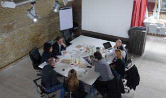 """Kreatives, nachhaltiges und wirtschaftliches Bauen in Friedrichshain – mit Florian Pronold beim """"Projekt Eckwerk"""""""